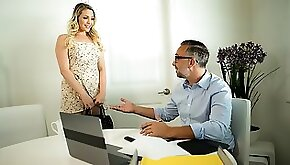 Mia Malkova has been dealing with a rather embarrassing oral fixation simply put she stop sucking big dick