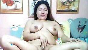 Rhea Filipina Chubby Filipina webcamer with big ass masturbating for you
