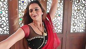 Sarla Bhabhi 2020 Indian mom with big natural tits dancing fucking