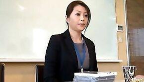 Japanese Woman masturbates in the office