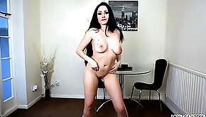 Milf in a tiny skirt really knows how to dance