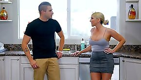 Jaw dropping milf Christie Stevens gives nuru massage and gets laid