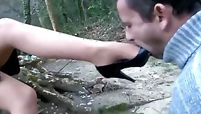 Outdoor shoe worship and clean