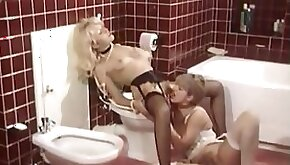 Immoral Vintage Lesbians Make Saphic Love In The Toilet
