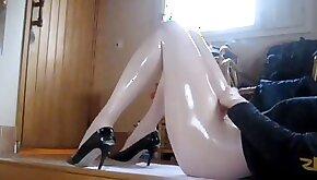 Oiled legs masturbation