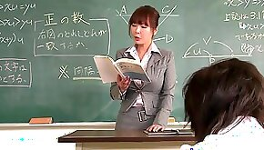 Teacher gets face creamed by her student