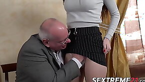 Young babe fucked and facialized by much older british dude